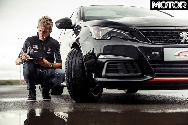 Motor 2019: Summer Tire Test