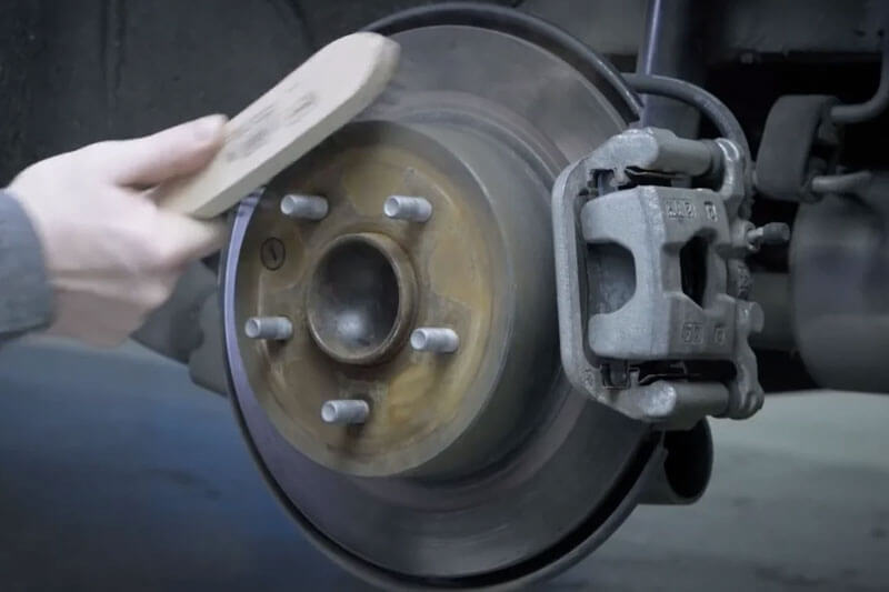 Clean the wheel hub with a metallic brush. After cleaning I recommend blowing the hub through and oiling it.
