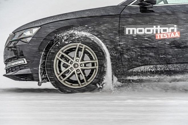 Test Discipline: Snow Braking. Source: Moottori.