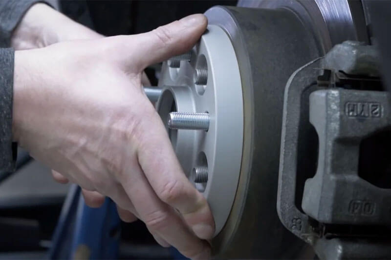 Then perform similar «fitting» on the vehicle's wheel hub.
