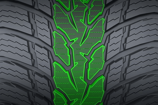 The central section of the tread of the Nokian WR Snowproof