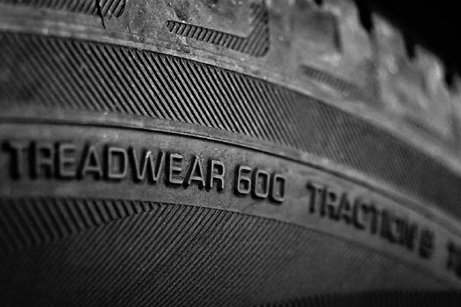An example of TREADWEAR label