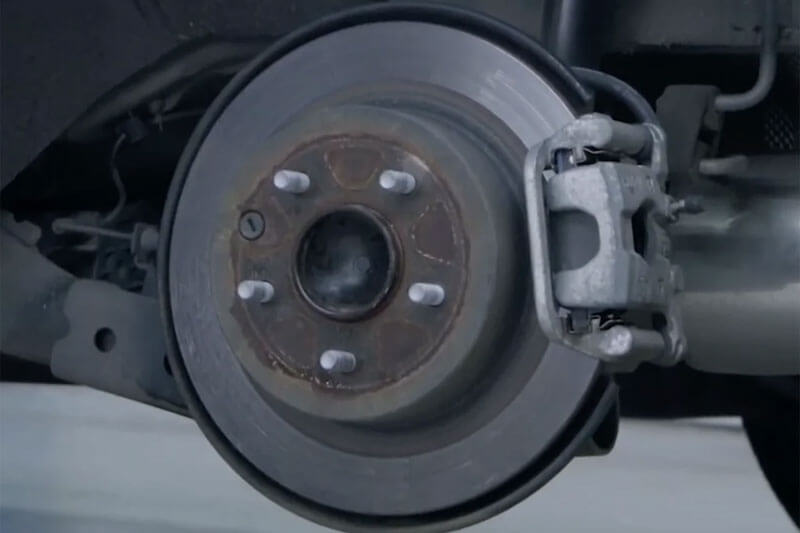Remove the wheel, and carefully check the wheel hub for damage or corrosion.