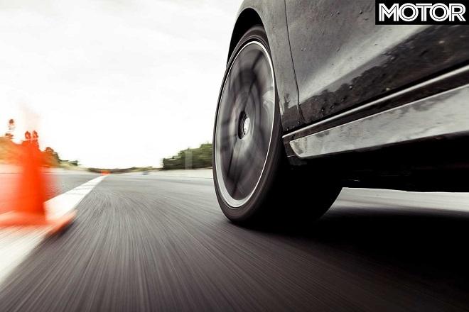 Test discipline:Wet braking